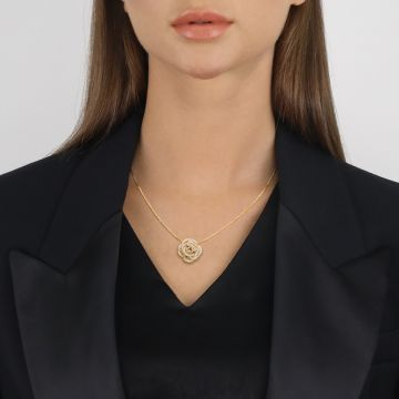 golden chain with diamonds